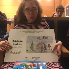 Adriana con diploma